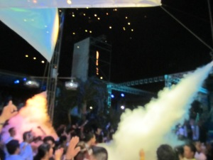 I didn´t spend much time taking pictures but this was a decent shot of some of the action at Chaman Discoteca